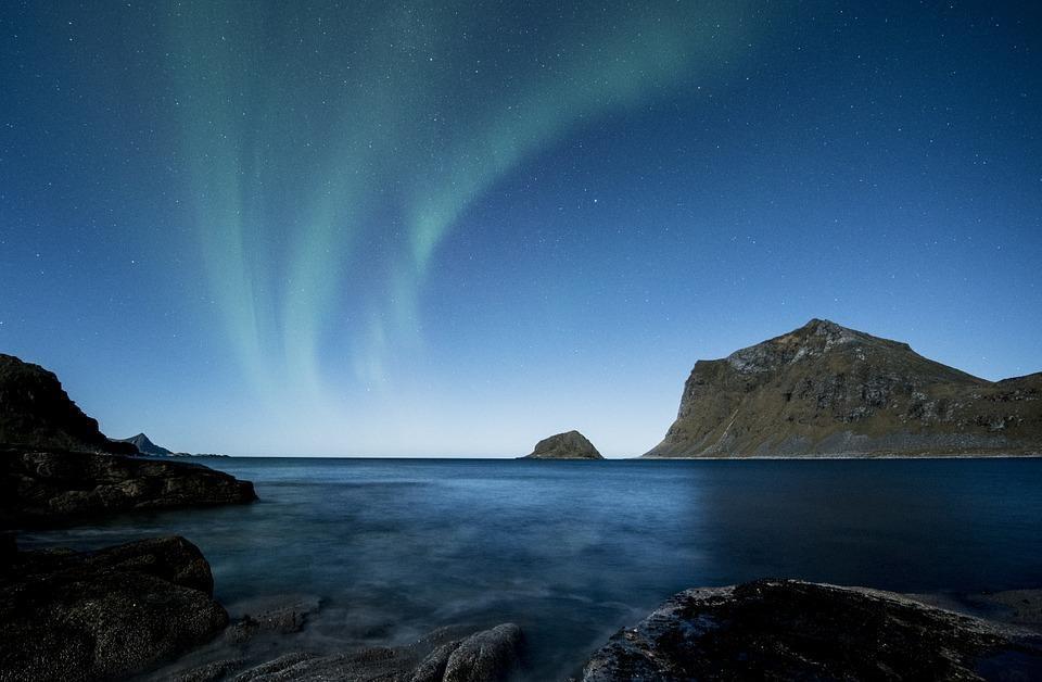 aurora borealis 1032519 960 720 - NORWEGIA: zorza polarna na Lofotach