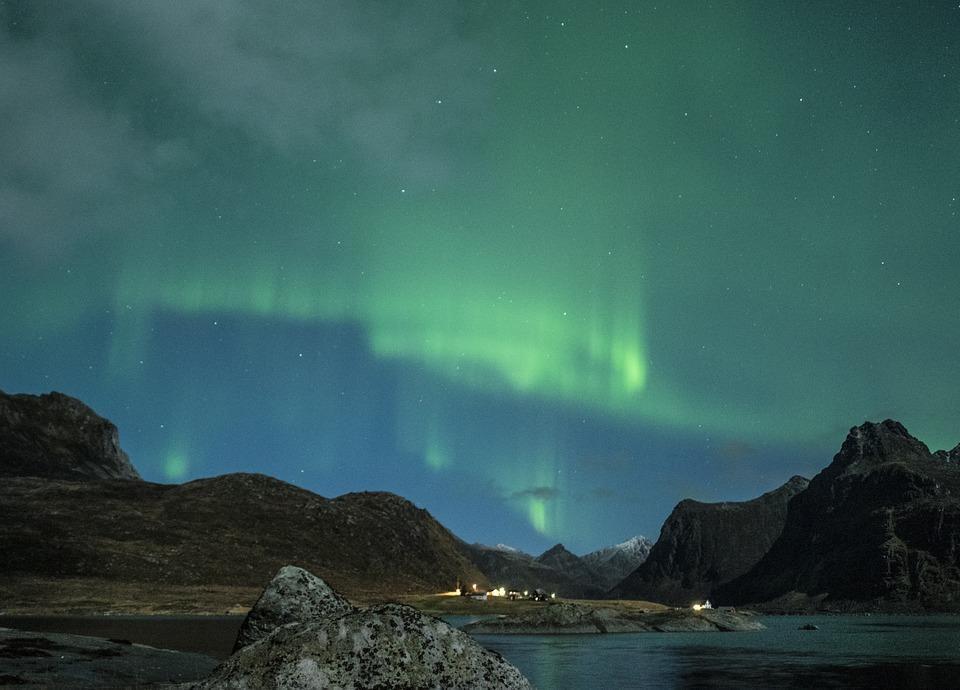 aurora borealis 1032520 960 720 - NORWEGIA: zorza polarna na Lofotach