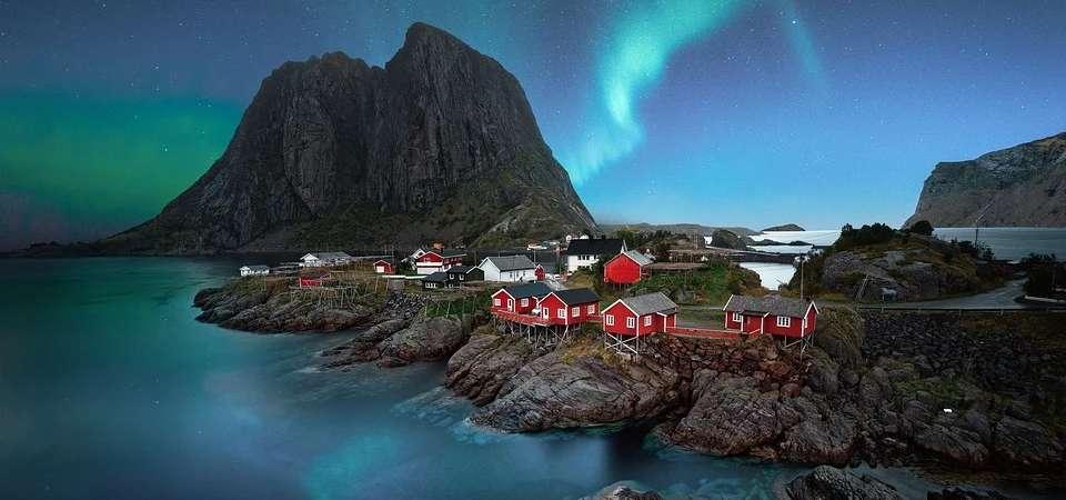 NORWEGIA: zorza polarna na Lofotach