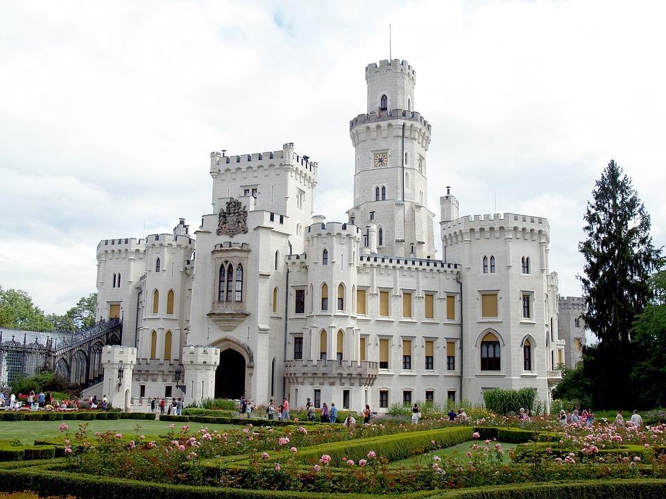 hluboka castle 1104475 960 720 - CZECHY: wycieczka objazdowa