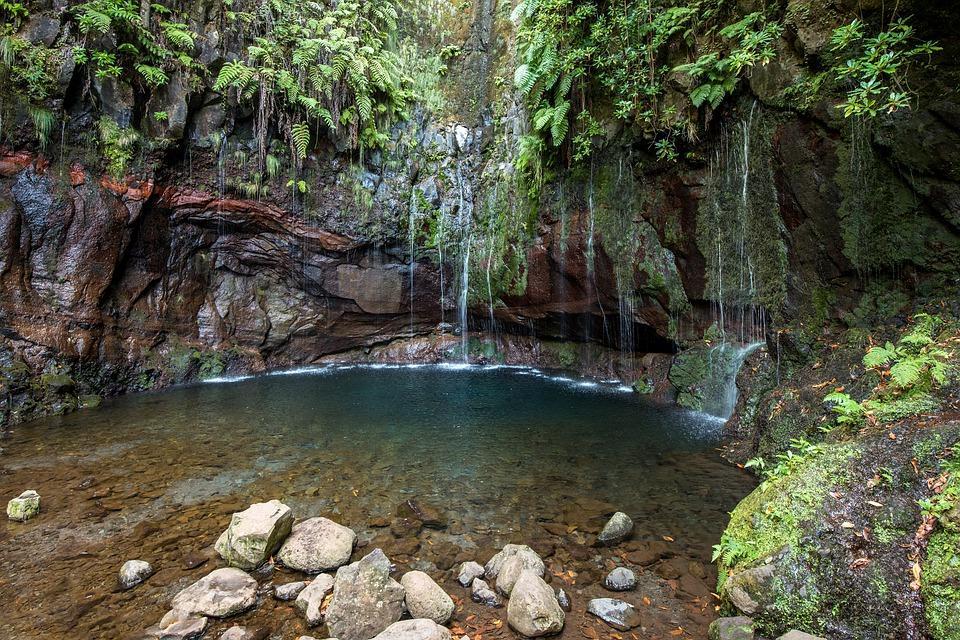 waterfall 4826287 960 720 - AZORY i MADERA - wycieczka objazdowa