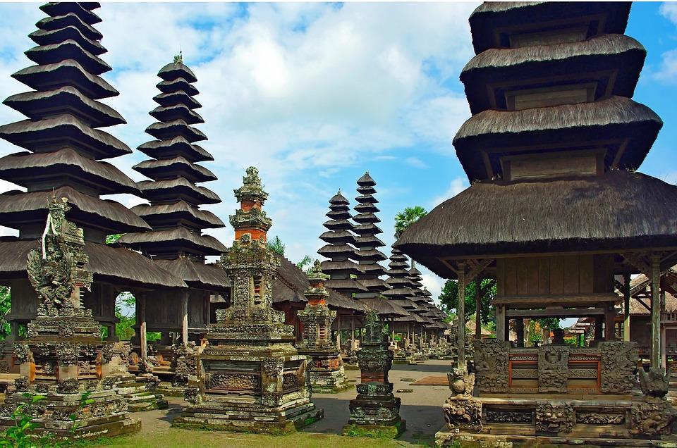 indonesia 1065802 960 720 - BALI – zwiedzanie + wypoczynek