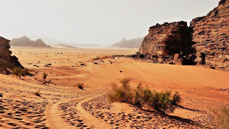 wadirum 4129811 960 720 - JORDANIA: zwiedzanie + wypoczynek nad Morzem Martwym i Morzem Czerwonym