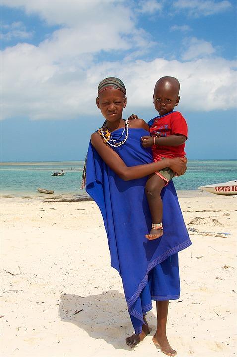 woman with a child 2127580 960 720 - ZANZIBAR