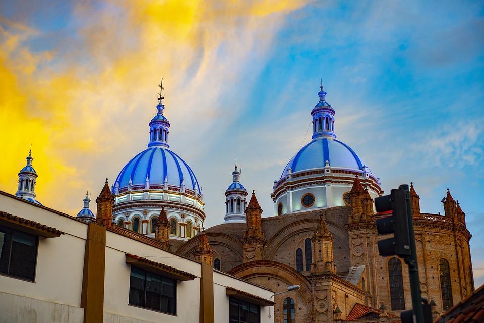 cathedral of cuenca 4021077 960 720 - EKWADOR – magiczna wyprawa