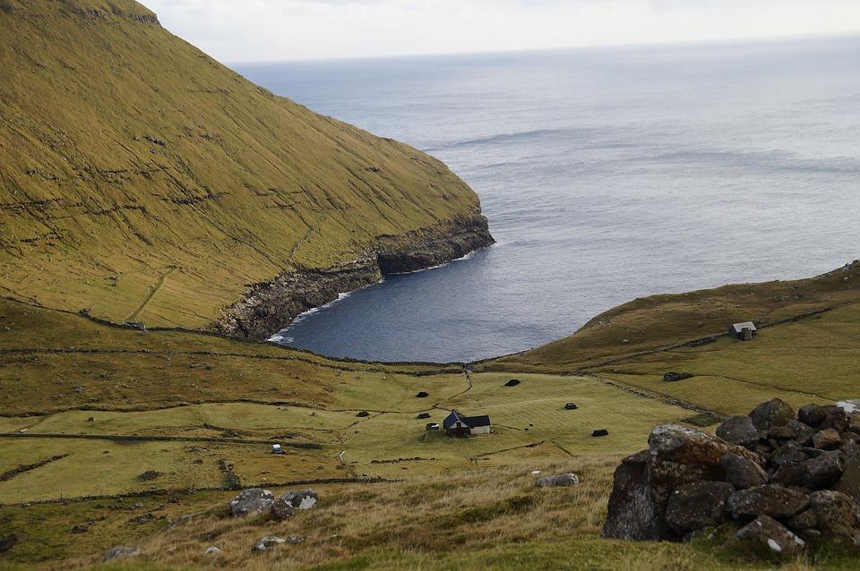 faroe islands 2753318 960 720 - WYSPY OWCZE: ostatnia dzika ostoja Europy